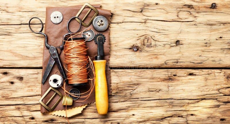Εργαλεία για την τέχνη δέρματος στοκ φωτογραφία με δικαίωμα ελεύθερης χρήσης