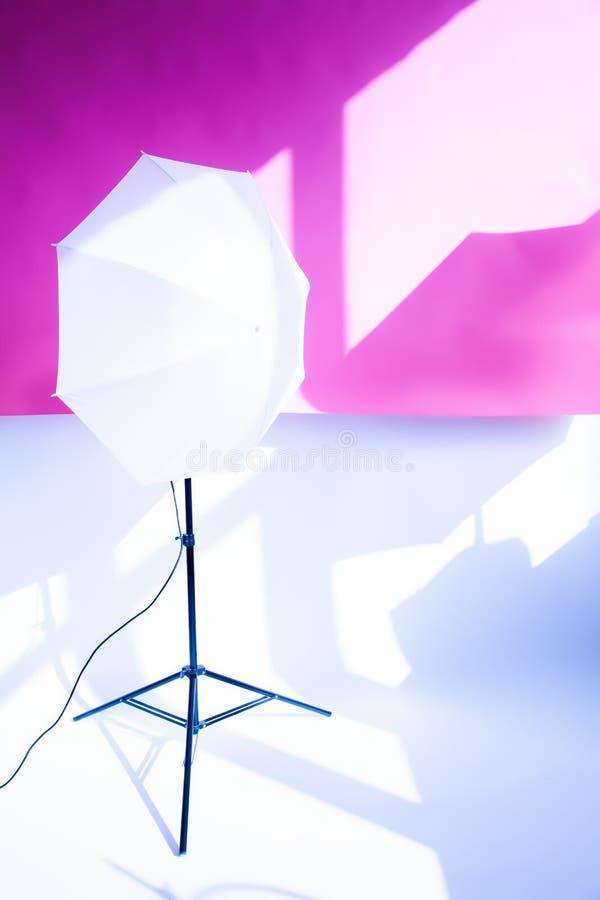 εργαλεία για τους επαγγελματικούς φωτογράφους που εργάζονται στο στούντιο στοκ φωτογραφίες