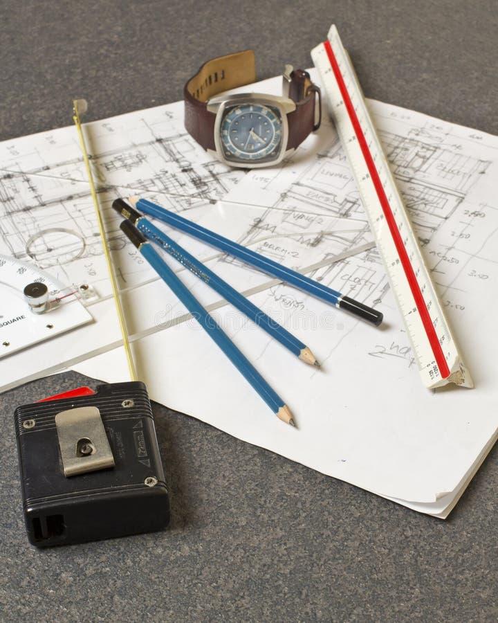Εργαλεία και έγγραφα με τα σκίτσα στοκ εικόνες με δικαίωμα ελεύθερης χρήσης