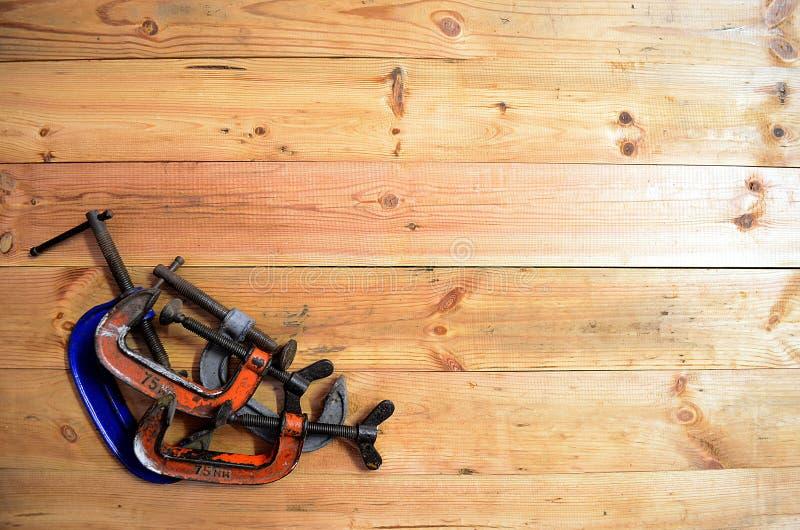 Εργαλεία ξυλουργικής - τέσσερα Γ Calmps στοκ εικόνα