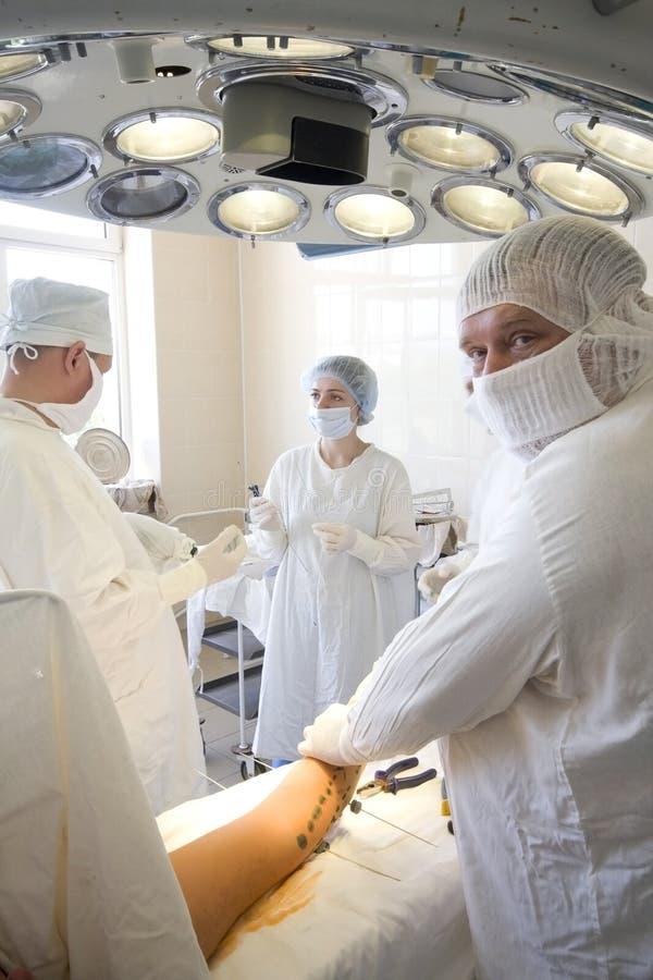 εργασία ομάδων χειρούργ&omega στοκ φωτογραφίες