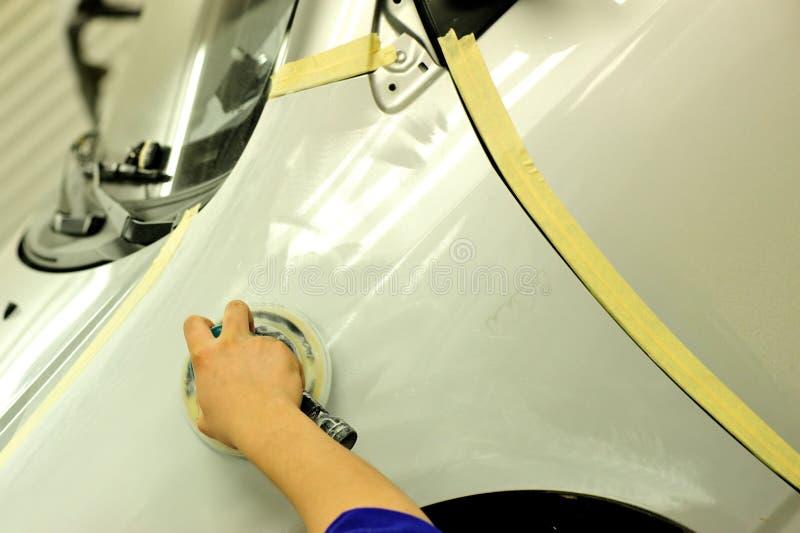 Εργασία σωμάτων αυτοκινήτων στοκ φωτογραφία με δικαίωμα ελεύθερης χρήσης