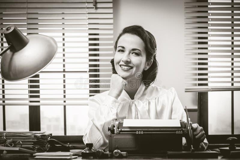 εργασία χαμόγελου γραμματέων στοκ εικόνα