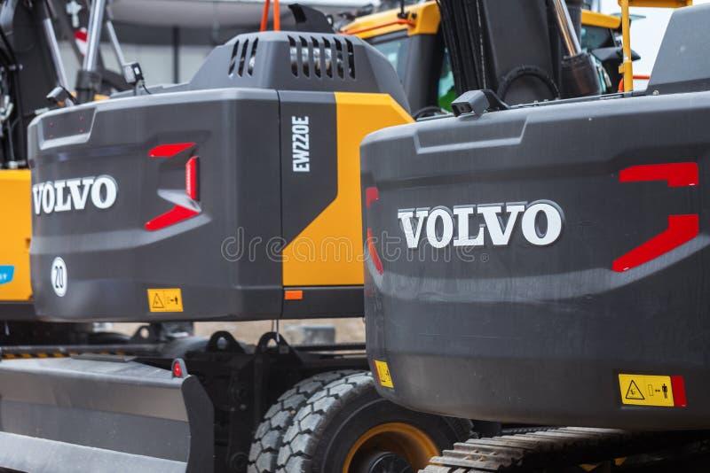 Εργασίες εκσκαφέων της VOLVO για ένα εργοτάξιο οικοδομής στοκ φωτογραφίες