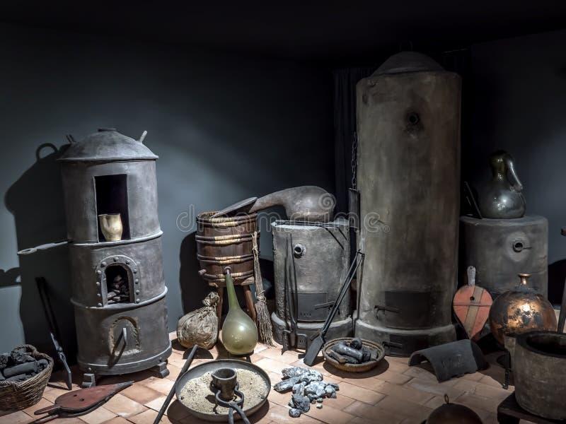 Εργαστήριο αλχημιστών στοκ εικόνα με δικαίωμα ελεύθερης χρήσης