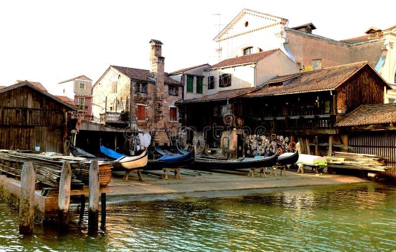 Εργαστήριο επισκευής γονδολών της Βενετίας, Ιταλία στοκ φωτογραφία