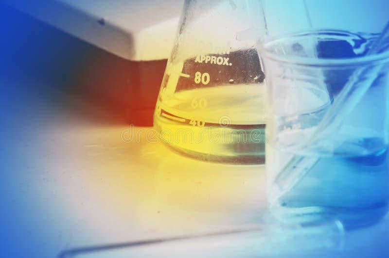 Εργαστήριο επιστήμης με το χημικό θέμα στοκ εικόνες με δικαίωμα ελεύθερης χρήσης