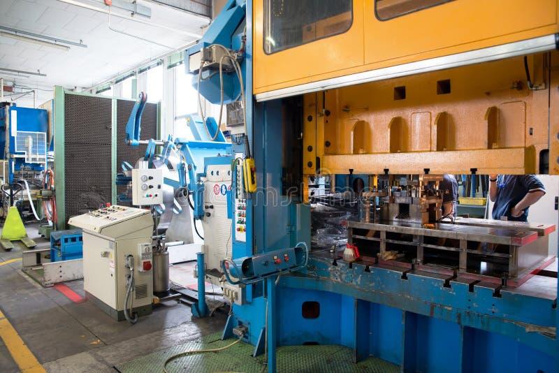 Εργαστήριο - Τύπος διαμόρφωσης μετάλλων στοκ φωτογραφίες με δικαίωμα ελεύθερης χρήσης