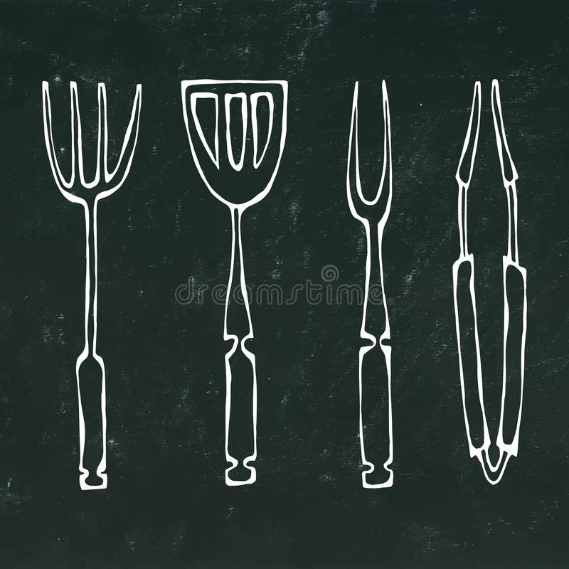 Εργαλεία εξοπλισμού ή σχαρών ψησίματος Λαβίδες για BBQ, το δίκρανο και Spatula Σε ένα μαύρο υπόβαθρο πινάκων κιμωλίας απεικόνιση αποθεμάτων