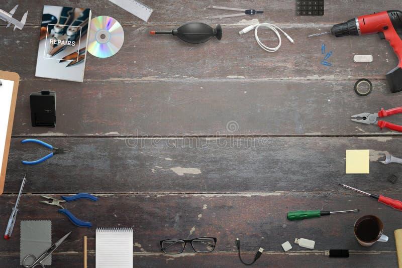Εργαλεία επισκευής στο ξύλινο γραφείο Ελεύθερου χώρου στη μέση για το κείμενο στοκ εικόνες