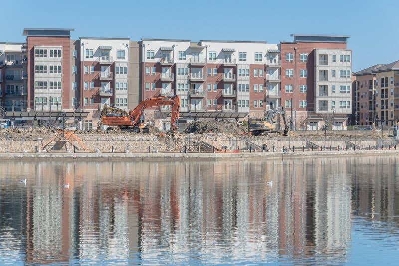 Εργοτάξιο οικοδομής της σύνθετης κοντινής λίμνης Carolyn πολυκατοικίας σε Las Colinas, Irving, Τέξας στοκ φωτογραφία με δικαίωμα ελεύθερης χρήσης