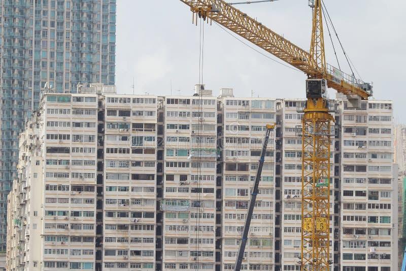 Εργοτάξιο οικοδομής στο Χονγκ Κονγκ κοντά στο σταθμό Kowloon, σύγχρονος ουρανός στοκ εικόνες