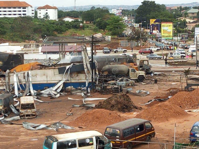 ερείπια αερίου έκρηξης αυτοκινήτων κάτω στοκ φωτογραφία με δικαίωμα ελεύθερης χρήσης