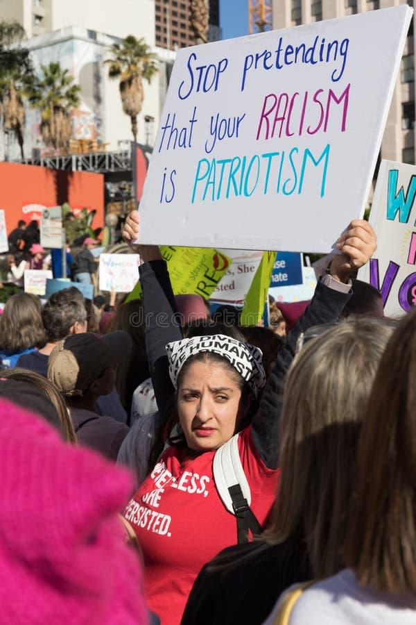 2$ες ετήσιες γυναίκες ` s Μάρτιος - ρατσισμός στοκ εικόνες με δικαίωμα ελεύθερης χρήσης