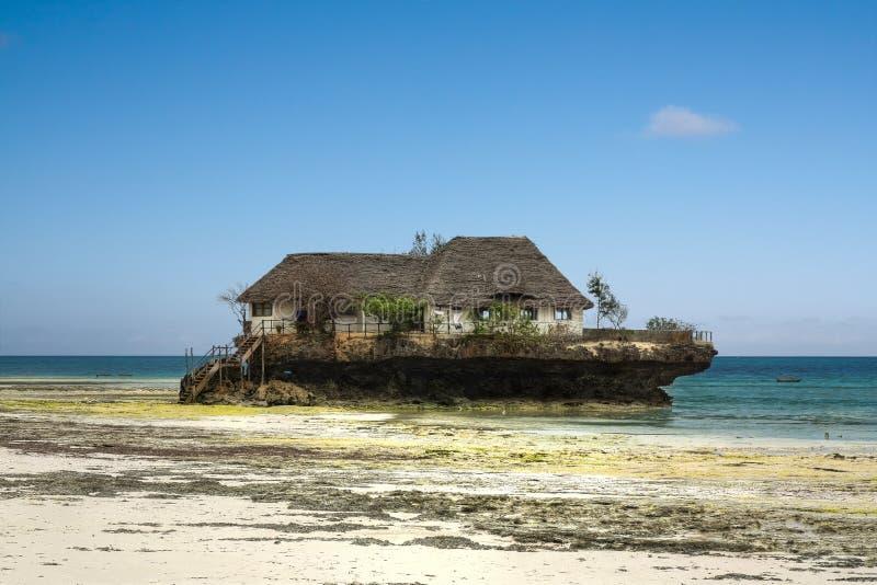 Εστιατόριο βράχου, Zanzibar, Τανζανία στοκ φωτογραφία με δικαίωμα ελεύθερης χρήσης