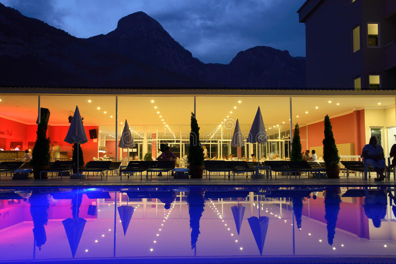 εστιατόριο λιμνών στοκ εικόνα με δικαίωμα ελεύθερης χρήσης