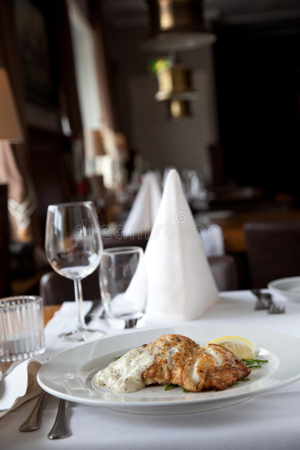 Download εστιατόριο ψαριών στοκ εικόνες. εικόνα από γεύμα, βακαλάος - 13188292