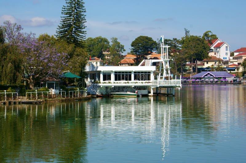 Εστιατόριο Thuy TA, λίμνη Xuan Huong, Dalat, Βιετνάμ στοκ φωτογραφίες