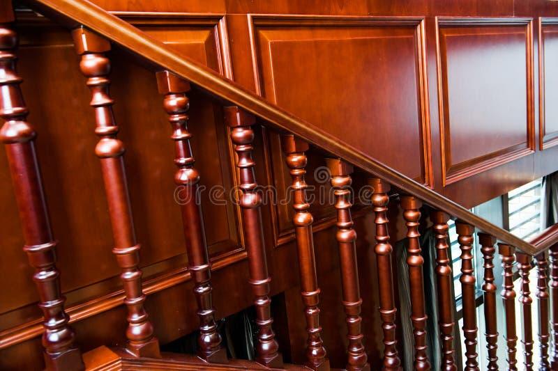 εσωτερικά σκαλοπάτια στοκ φωτογραφία με δικαίωμα ελεύθερης χρήσης