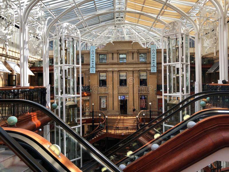 Εσωτερικές κυλιόμενες σκάλες της Γλασκώβης πριγκήπων τετράγωνες στοκ φωτογραφίες με δικαίωμα ελεύθερης χρήσης