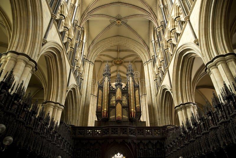 Εσωτερική άποψη οργάνων και χορωδιών του μοναστηριακού ναού Beverely από τη χορωδία, Beverley, ανατολική οδήγηση του Γιορκσάιρ, U στοκ φωτογραφία
