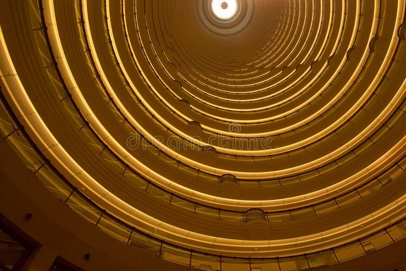 Εσωτερική άποψη του πύργου της Jin Mao στη Σαγκάη στοκ φωτογραφίες