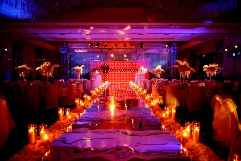 Εσωτερική γαμήλια σκηνή στοκ εικόνα με δικαίωμα ελεύθερης χρήσης