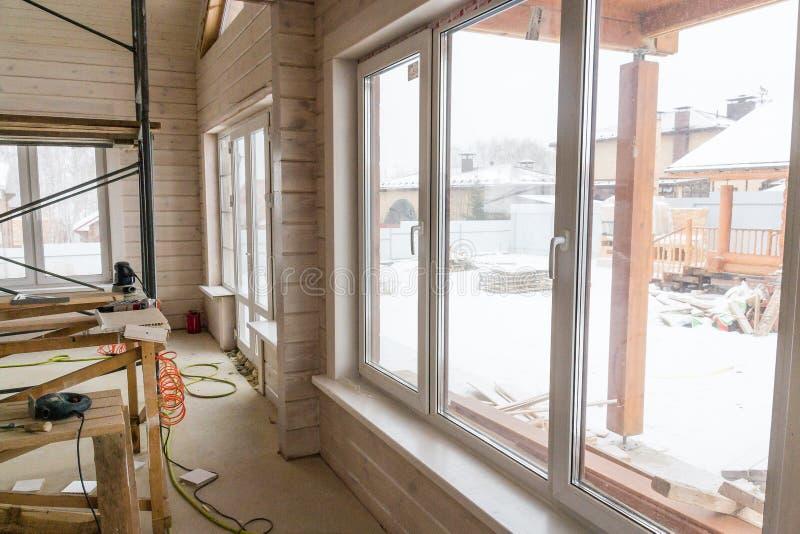 Εσωτερική διακόσμηση τοίχων του σπιτιού στο εργοτάξιο οικοδομής με το διάστημα αντιγράφων στοκ φωτογραφία με δικαίωμα ελεύθερης χρήσης