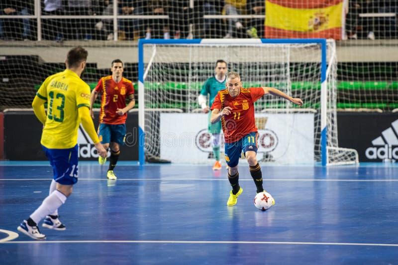 Εσωτερική footsal αντιστοιχία των εθνικών ομάδων της Ισπανίας και της Βραζιλίας στο περίπτερο Multiusos Caceres στοκ εικόνα με δικαίωμα ελεύθερης χρήσης