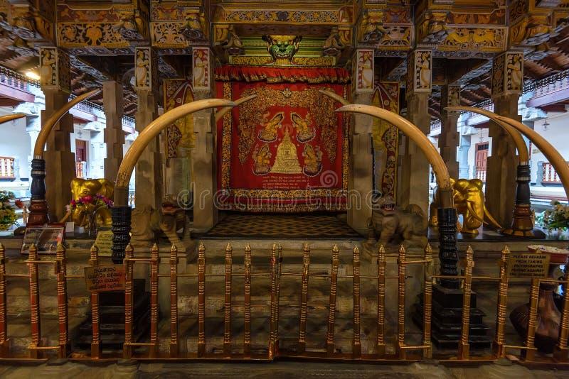 Εσωτερικός ναός του δοντιού σε Kandy, Σρι Λάνκα στοκ εικόνες