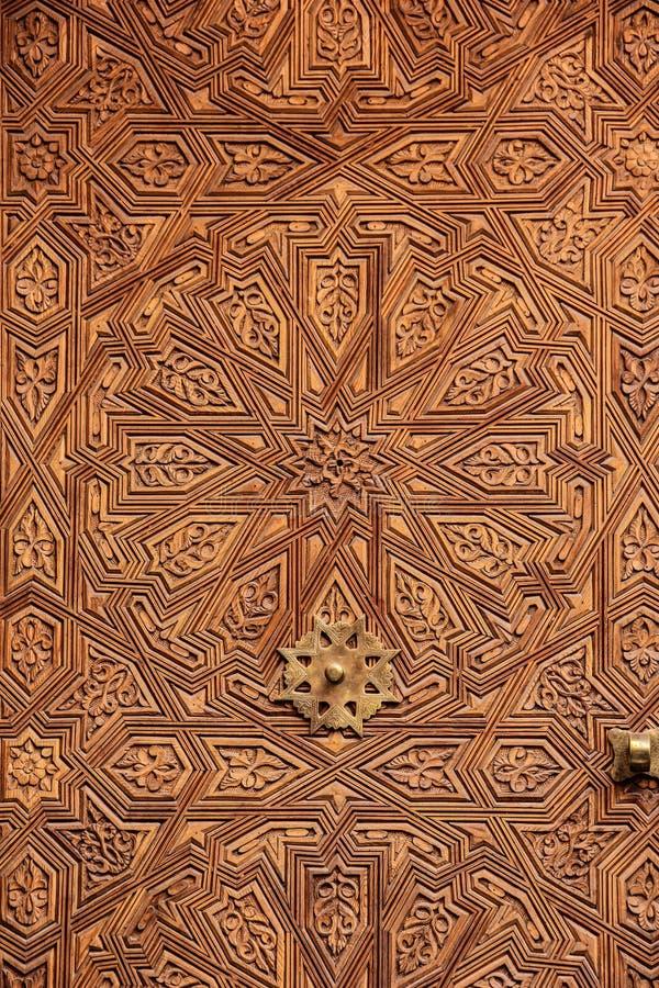 εσωτερικός ξύλινος πορτώ λεπτομέρεια Μαρακές Μαρόκο στοκ εικόνα