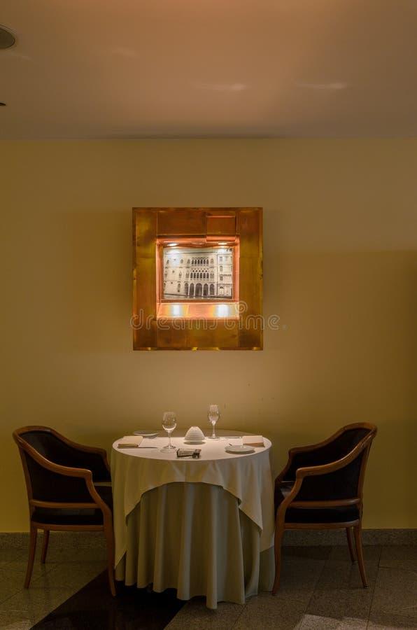 Εσωτερικός πυροβολισμός εστιατορίων στοκ εικόνες
