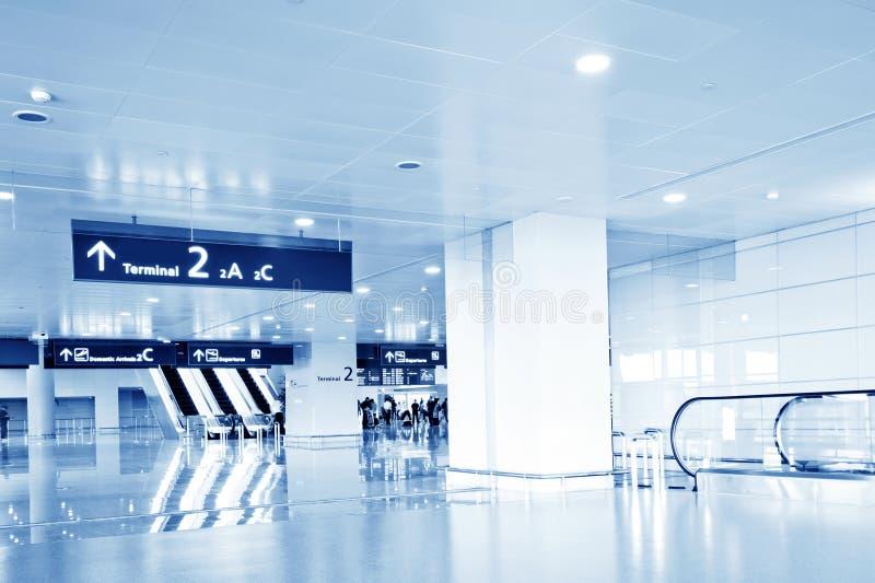 Download εσωτερικός σύγχρονος οικοδόμησης Στοκ Εικόνες - εικόνα από σαλόνι, είσοδος: 22778378