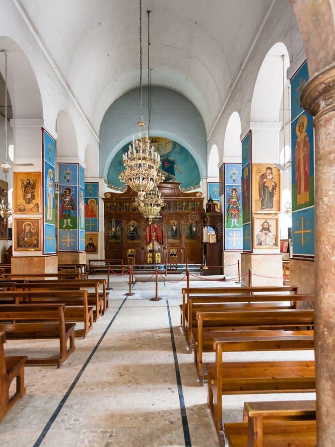 Εσωτερικός της ελληνικής ορθόδοξης βασιλικής του ST George στοκ εικόνα