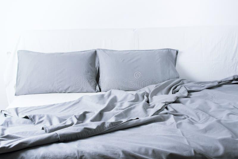 Εσωτερικό έννοιας κρεβατιών Coverlet μαξιλαριών φύλλων κλινοστρωμνής στοκ φωτογραφίες με δικαίωμα ελεύθερης χρήσης