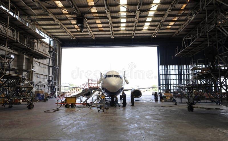 Εσωτερικό αεροδιαστημικό υπόστεγο στοκ εικόνες