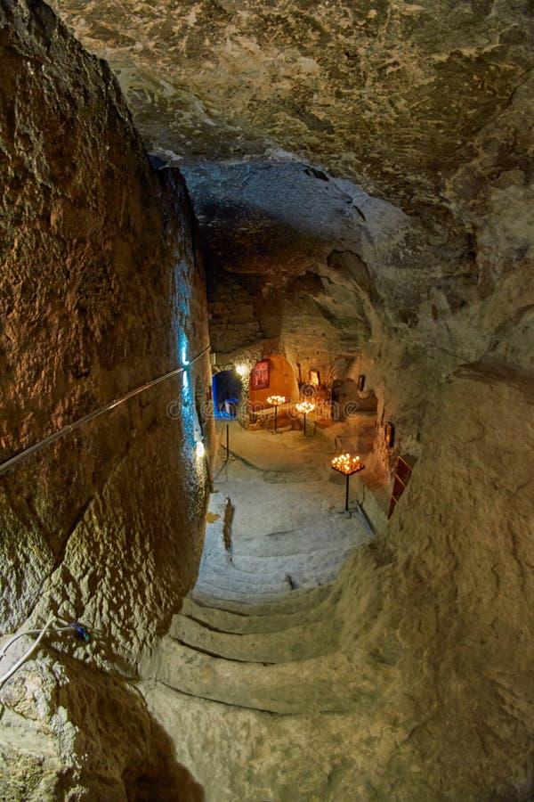 Εσωτερικό εκκλησιών βουνών Vardzia στοκ εικόνα