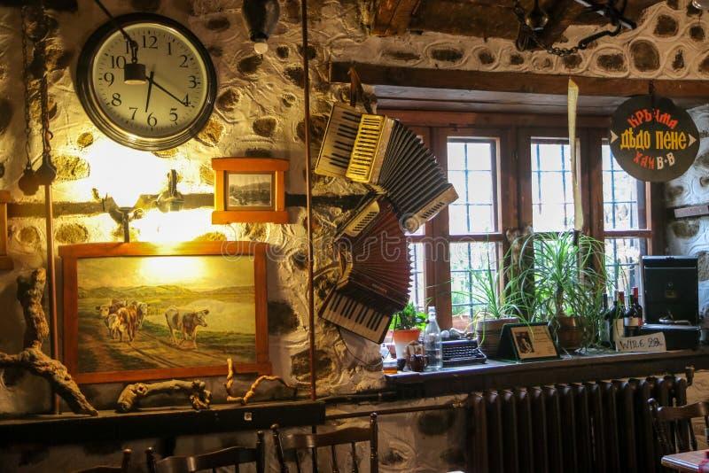 Εσωτερικό ενός ντεμοντέ καφέ εστιατορίων στοκ φωτογραφία