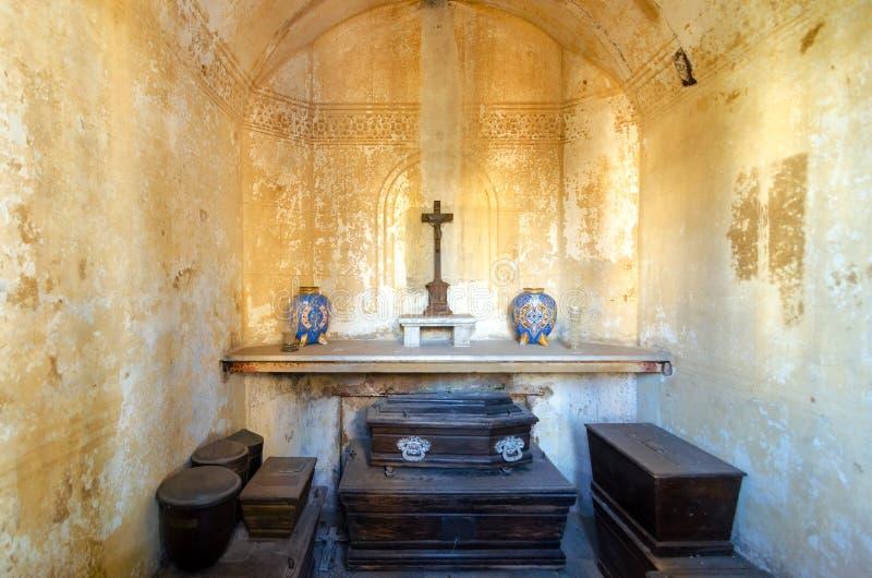 Εσωτερικό ενός τάφου στοκ εικόνα