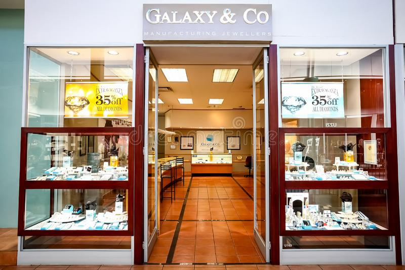 Εσωτερικό εσωτερικών ενός καταστήματος κοσμήματος διαμαντιών στοκ φωτογραφίες με δικαίωμα ελεύθερης χρήσης