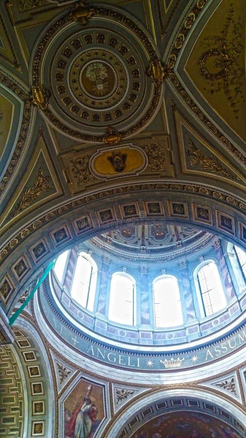Εσωτερικό θόλων της βασιλικής Esztergom, Ουγγαρία στοκ φωτογραφίες με δικαίωμα ελεύθερης χρήσης
