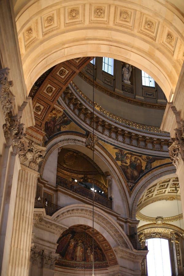 Εσωτερικό καθεδρικών ναών του ST Pauls στοκ φωτογραφία
