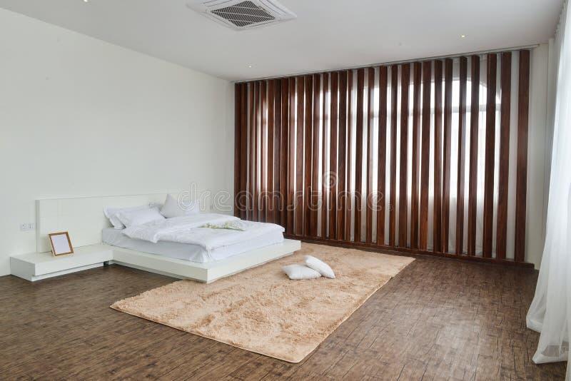 Εσωτερικό κρεβατοκάμαρων για το σύγχρονο σπίτι στοκ εικόνα