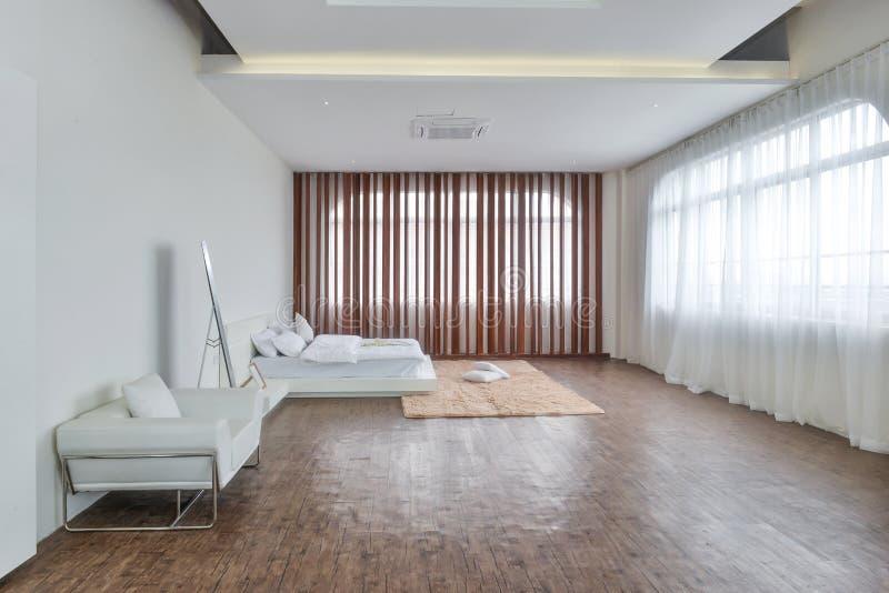 Εσωτερικό κρεβατοκάμαρων για το σύγχρονο σπίτι στοκ φωτογραφίες