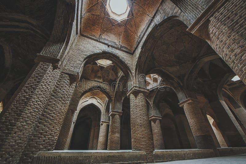 Εσωτερικό μουσουλμανικό τέμενος Παρασκευής Jameh Ισφαχάν Ιράν στοκ φωτογραφία με δικαίωμα ελεύθερης χρήσης