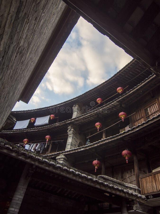 Εσωτερικό παραδοσιακό κτήριο Hakka Tulou Fujian, Κίνα στοκ εικόνες