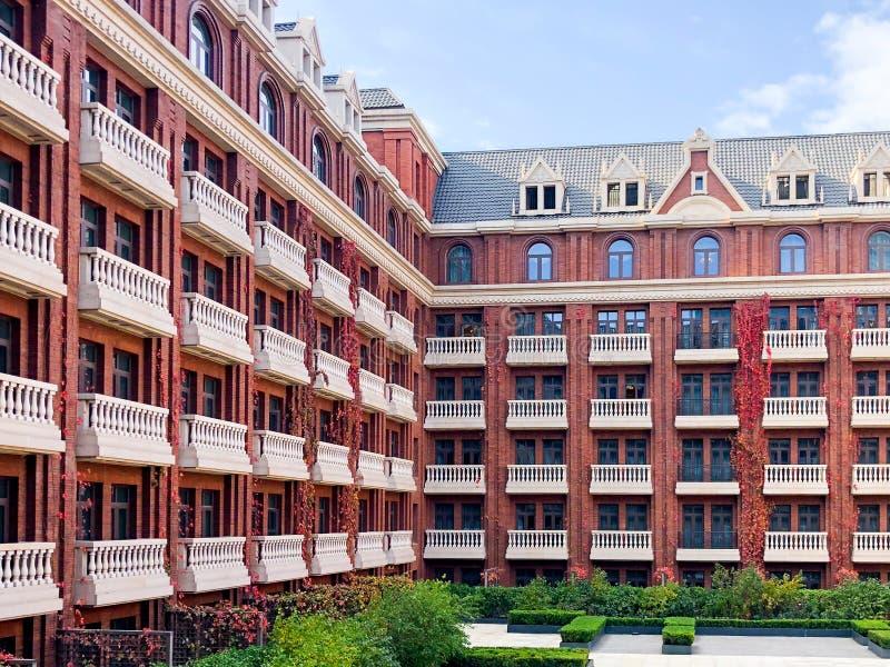 Εσωτερικό προαύλιο του πέντε αστέρων ξενοδοχείου το Ritz Carlton στοκ φωτογραφία