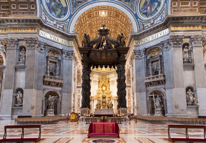 Εσωτερικό της βασιλικής του ST Peters στη Ρώμη στοκ φωτογραφία με δικαίωμα ελεύθερης χρήσης