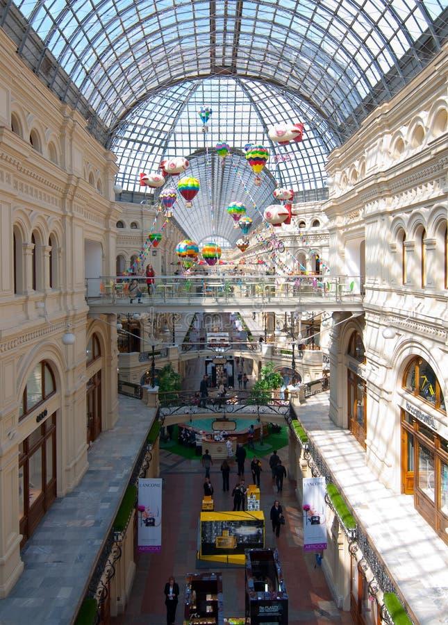 Εσωτερικό της ΓΟΜΜΑΣ λεωφόρων αγορών στη Μόσχα στοκ εικόνες με δικαίωμα ελεύθερης χρήσης