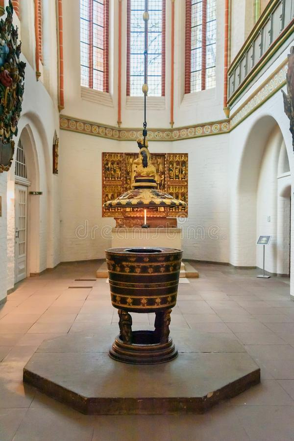 Εσωτερικό της εκκλησίας του John ο βαπτιστικός ή το Johanniskirche σε Luneburg r στοκ φωτογραφία